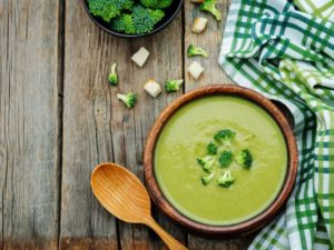 Detox Suppe: Brokkoli Cashew Suppe