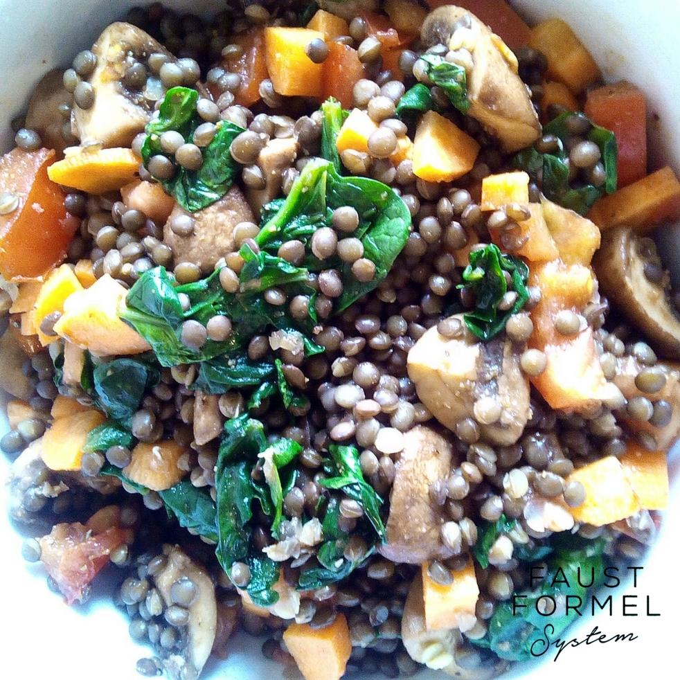 Neustart-Rezept: Linsensalat mit Pilzen und Spinat