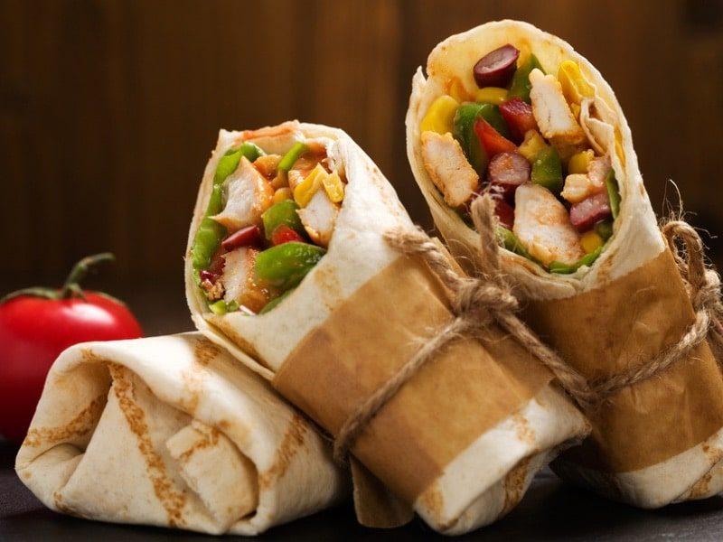 Wraps zum Mitnehmen mit Hähnchen, Avocado und Gurke!